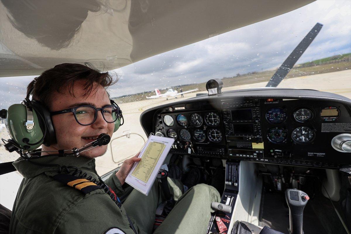 Türkiye nin 17 yaşındaki en genç pilotu #4