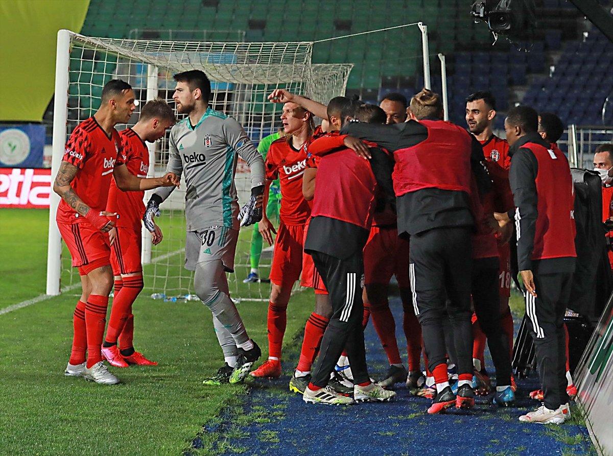 Beşiktaş, Rizespor deplasmanından 3 puanla döndü #4