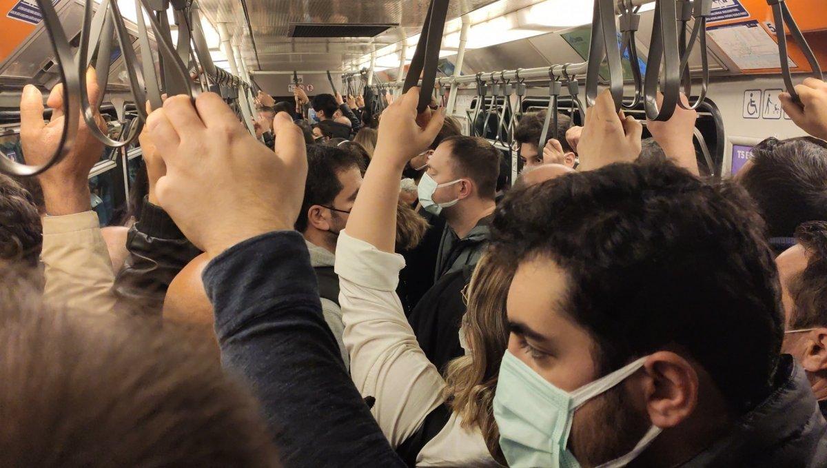 İstanbul'da metro seferleri aksadı, sosyal mesafe kalmadı #2