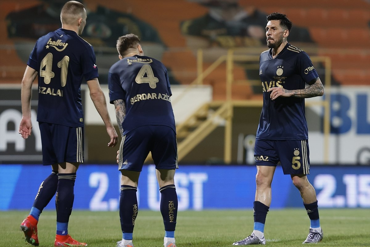 Fenerbahçe, deplasmanda Alanyaspor la golsüz berabere kaldı #5