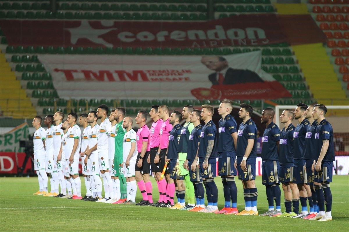 Fenerbahçe, deplasmanda Alanyaspor la golsüz berabere kaldı #1
