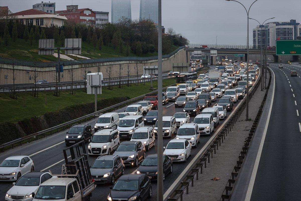 İstanbul TEM Otoyolu nda trafik yoğunluğu #8