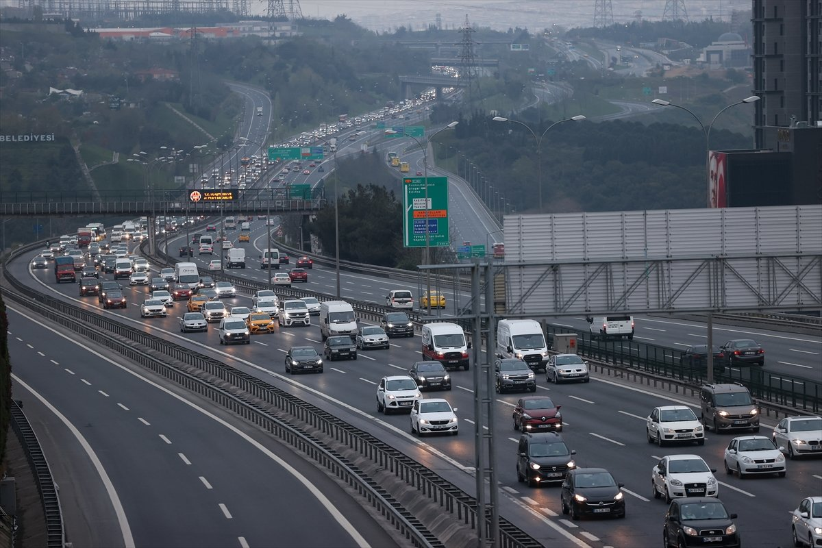 İstanbul TEM Otoyolu nda trafik yoğunluğu #9