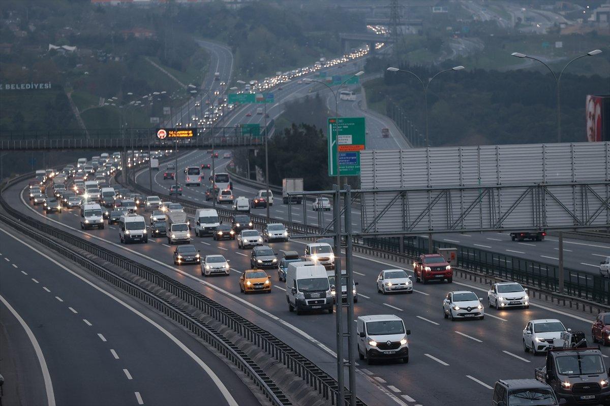 İstanbul TEM Otoyolu nda trafik yoğunluğu #7