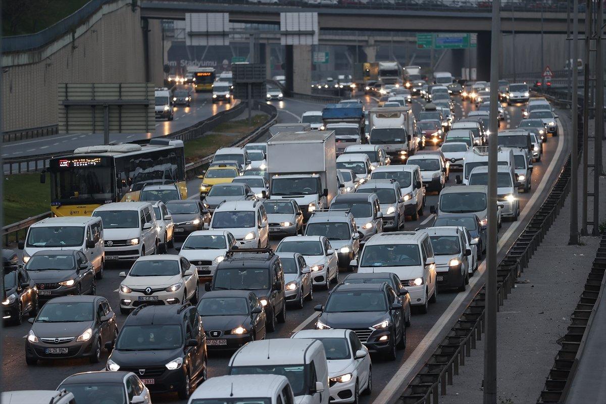 İstanbul TEM Otoyolu nda trafik yoğunluğu #6