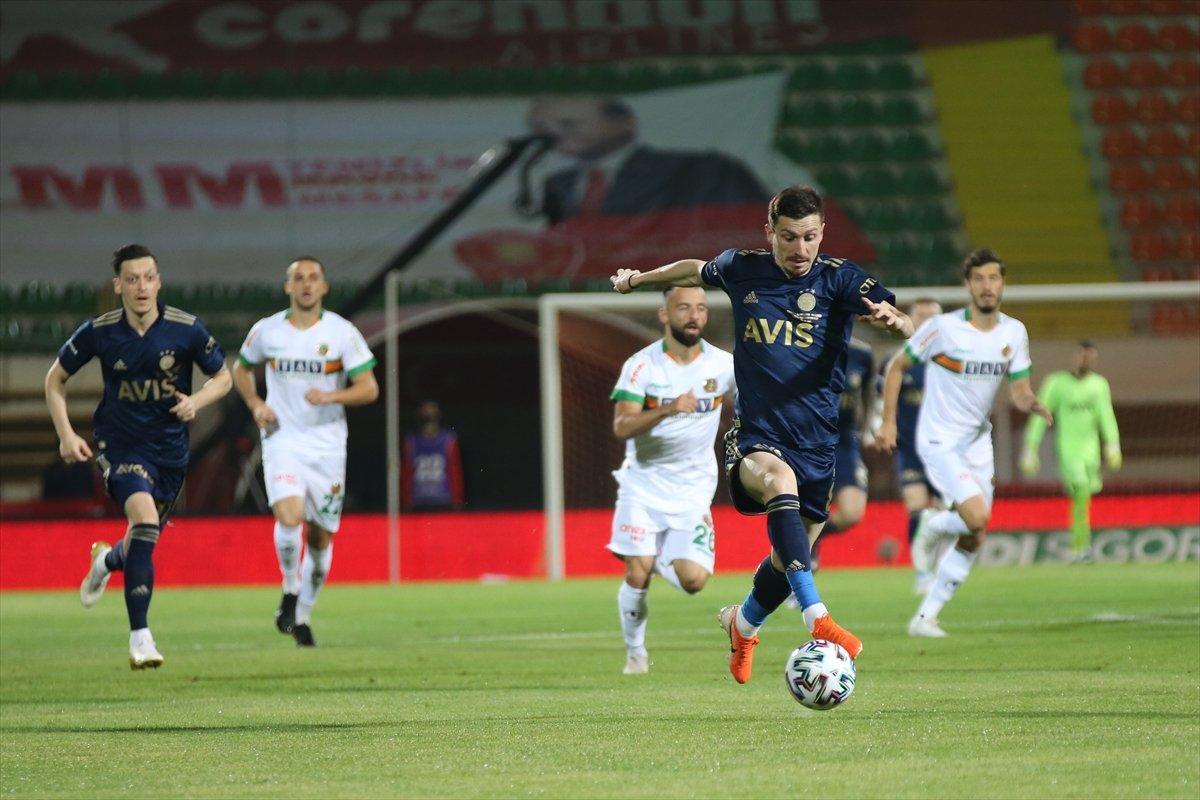 Fenerbahçe, deplasmanda Alanyaspor la golsüz berabere kaldı #2