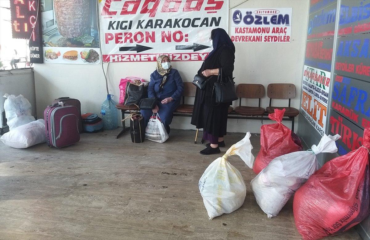 İstanbul da otogarlarda  tam kapanma  yoğunluğu #4