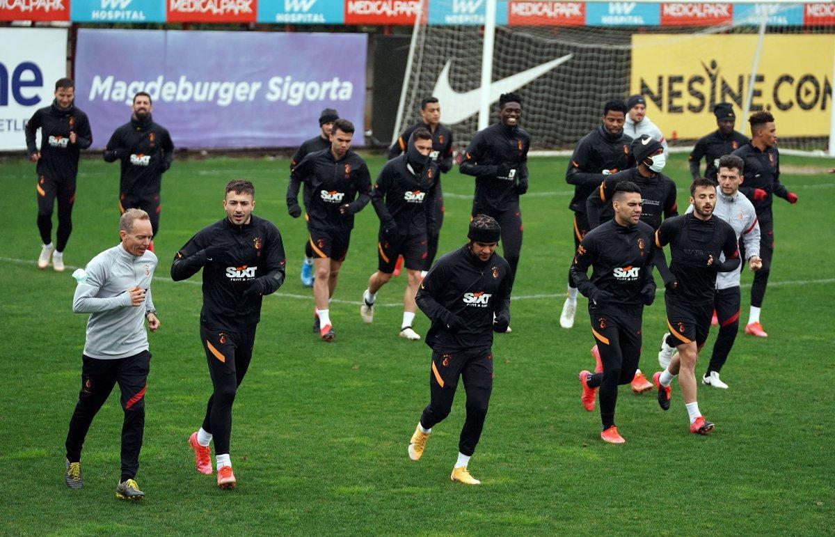 Galatasaray da Falcao ve Feghouli ile yollar ayrılıyor #1
