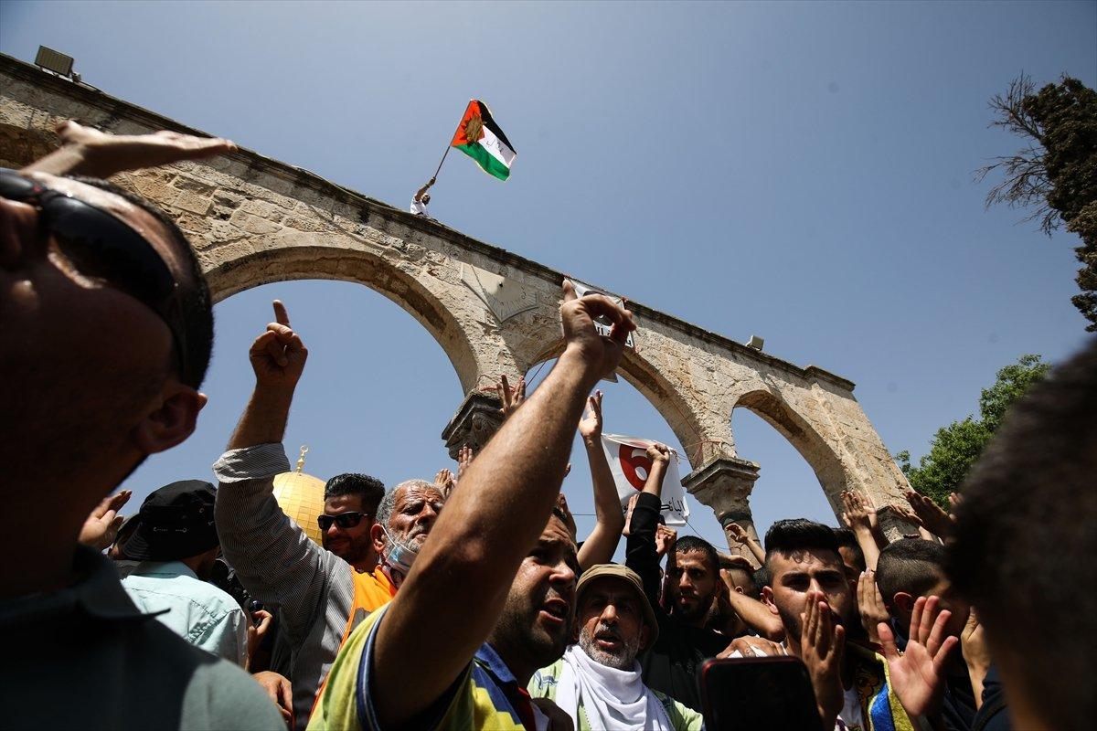 Mescid-i Aksa'da 60 bin kişinin katıldığı cuma namazı #2