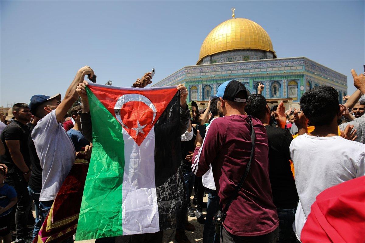 Mescid-i Aksa'da 60 bin kişinin katıldığı cuma namazı #7