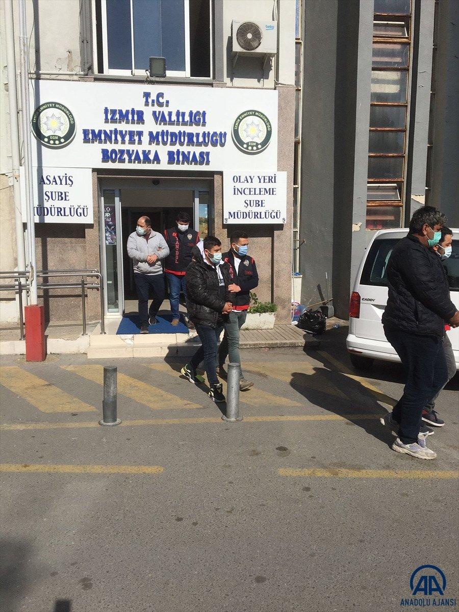 İzmir de sahte banka evrakıyla 2 kişiyi 3 milyon 540 bin lira dolandırdılar #2