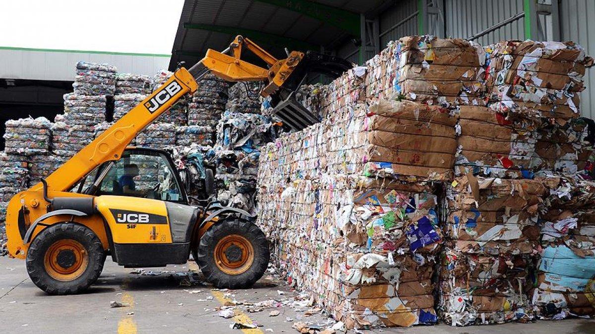 Adana da çevreyi kirleten geri dönüşüm tesislerine 7 milyon lira ceza #1