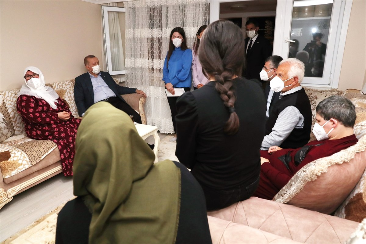 Cumhurbaşkanı Erdoğan ın ziyaret ettiği Mahruze Teyze den açıklamalar  #5