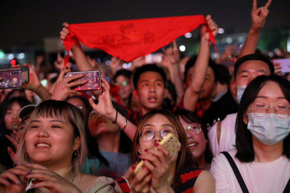 Koronavirüsün çıktığı Vuhan da müzik festivali  #2