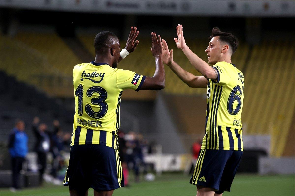 Fenerbahçe, evinde BB Erzurumspor u 3 golle mağlup etti #4