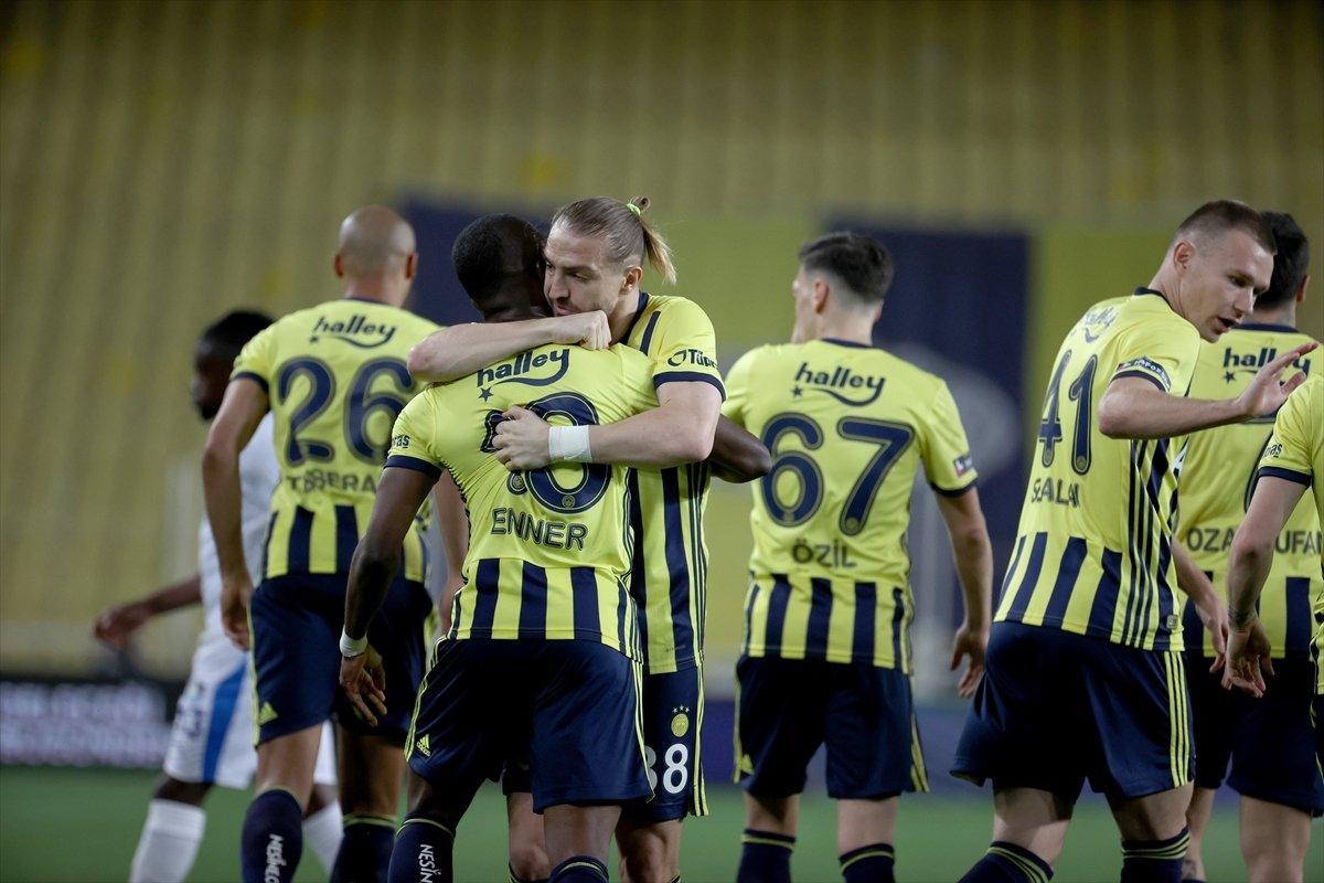 Fenerbahçe, evinde BB Erzurumspor u 3 golle mağlup etti #6