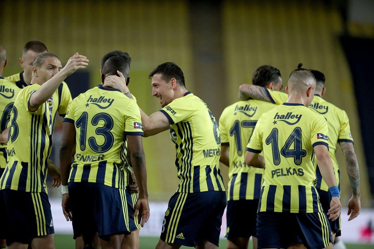 Fenerbahçe, evinde BB Erzurumspor u 3 golle mağlup etti #5