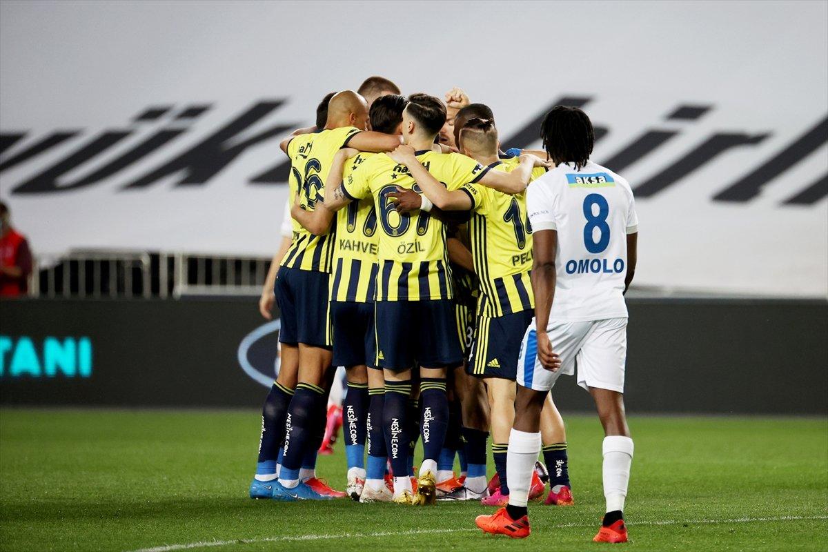 Fenerbahçe, evinde BB Erzurumspor u 3 golle mağlup etti #3