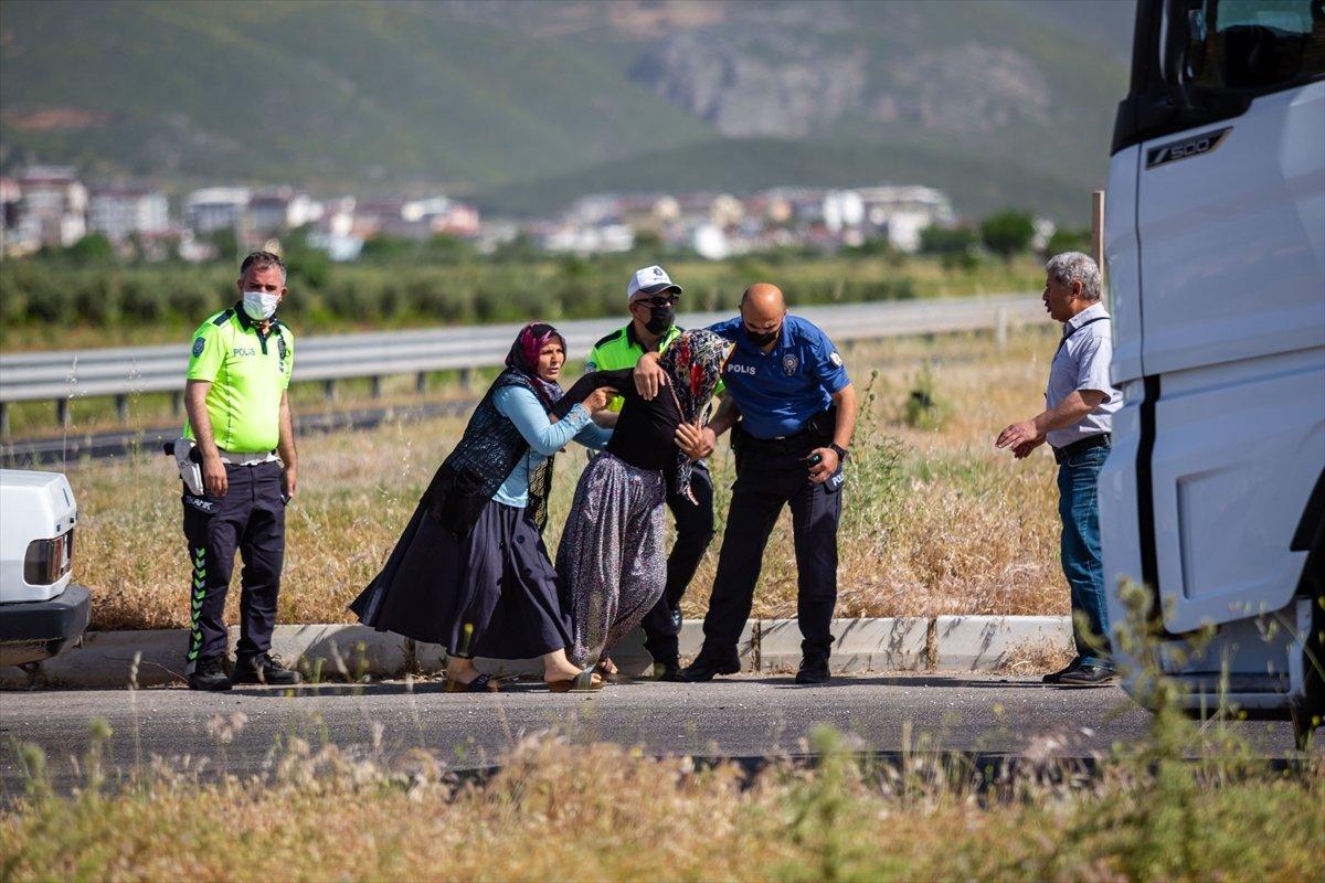 Hatay da otomobil ile motosiklet çarpıştı: 2 ölü #4