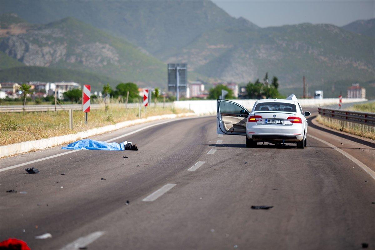 Hatay da otomobil ile motosiklet çarpıştı: 2 ölü #3