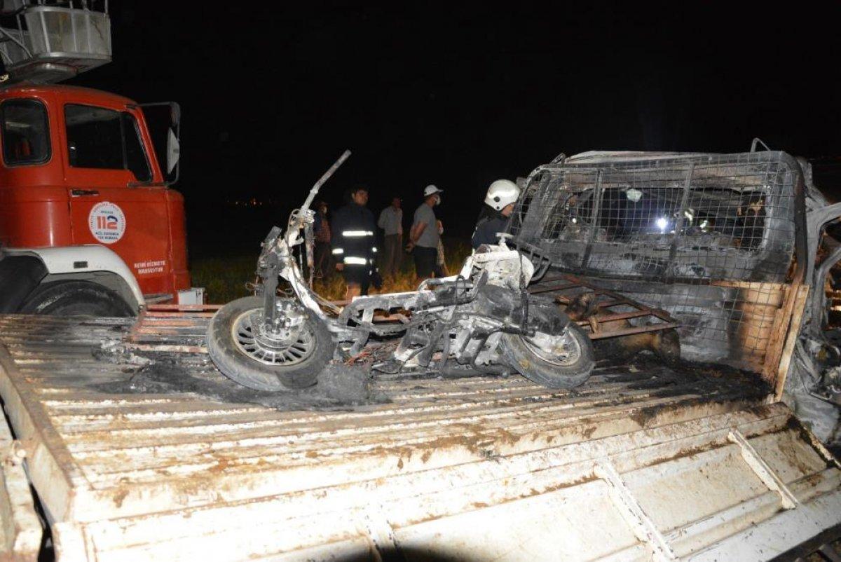 Antalya'da 2 kişi araç içinde yanarak can verdi #7