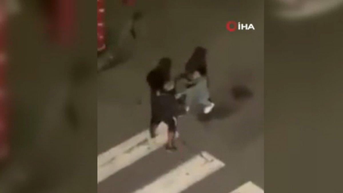Fransa'da polis, kısıtlamaya uymayan gençlere şiddet uyguladı  #2