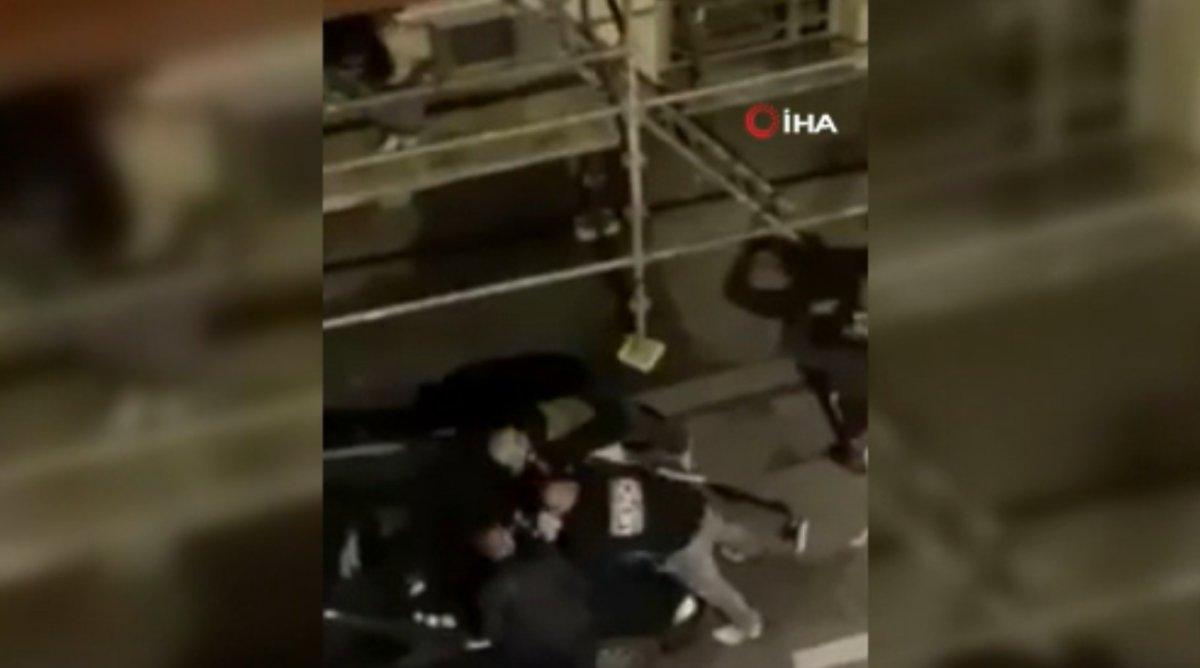 Fransa'da polis, kısıtlamaya uymayan gençlere şiddet uyguladı  #3