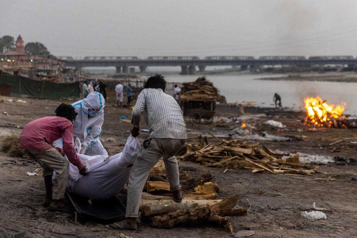 Hindistan da koronavirüs bilançosu ağırlaşıyor #6