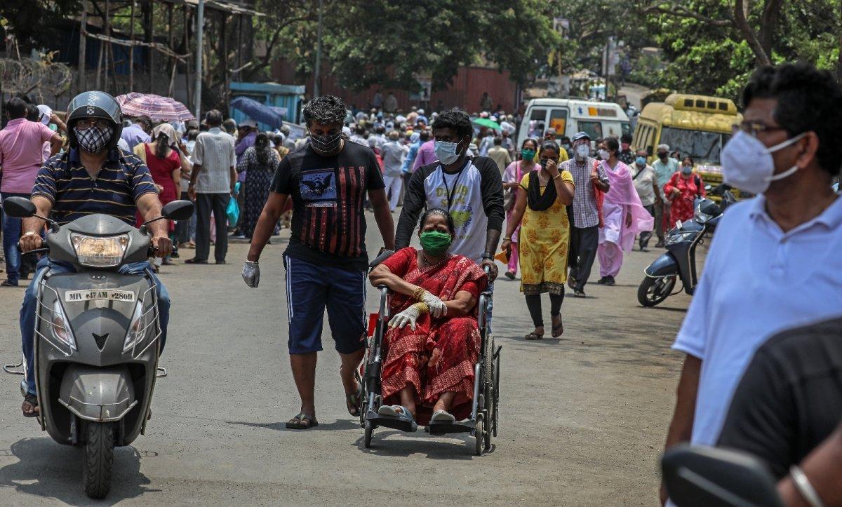 Hindistan da koronavirüs bilançosu ağırlaşıyor #1