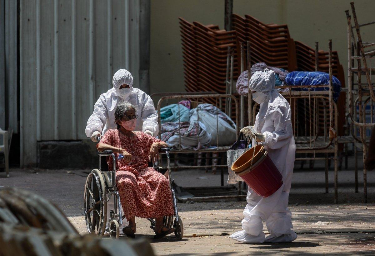 Hindistan da koronavirüs bilançosu ağırlaşıyor #3