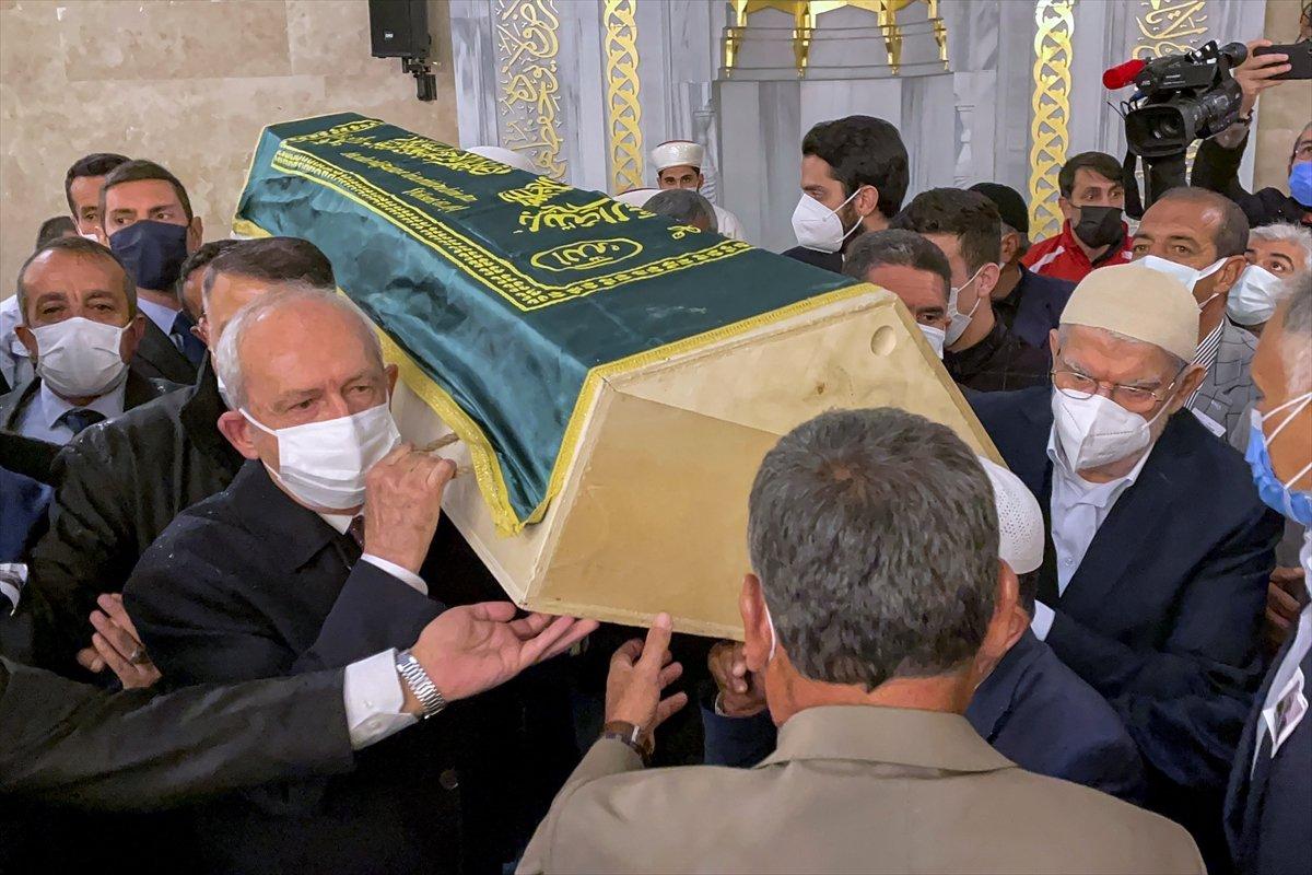 Kemal Kılıçdaroğlu, Cemil Erhan ın cenaze törenine katıldı #3