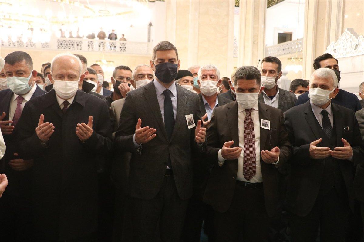 Kemal Kılıçdaroğlu, Cemil Erhan ın cenaze törenine katıldı #4