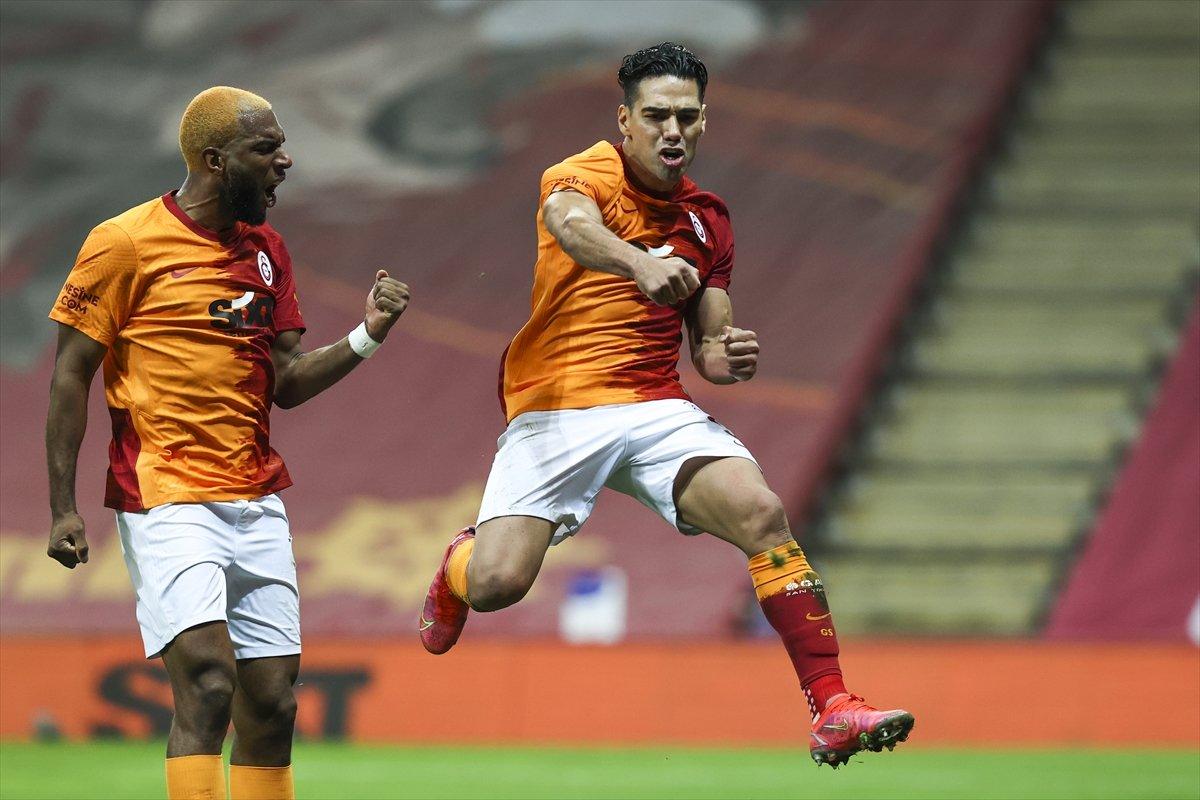 Galatasaray evinde Beşiktaş ı 3 golle mağlup etti #2
