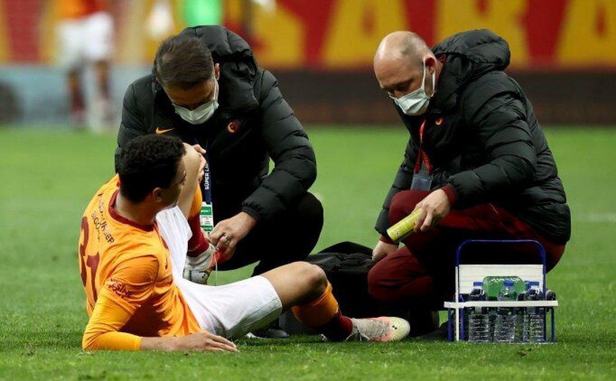 Galatasaray da Mostafa Mohamed sezonu kapattı #1