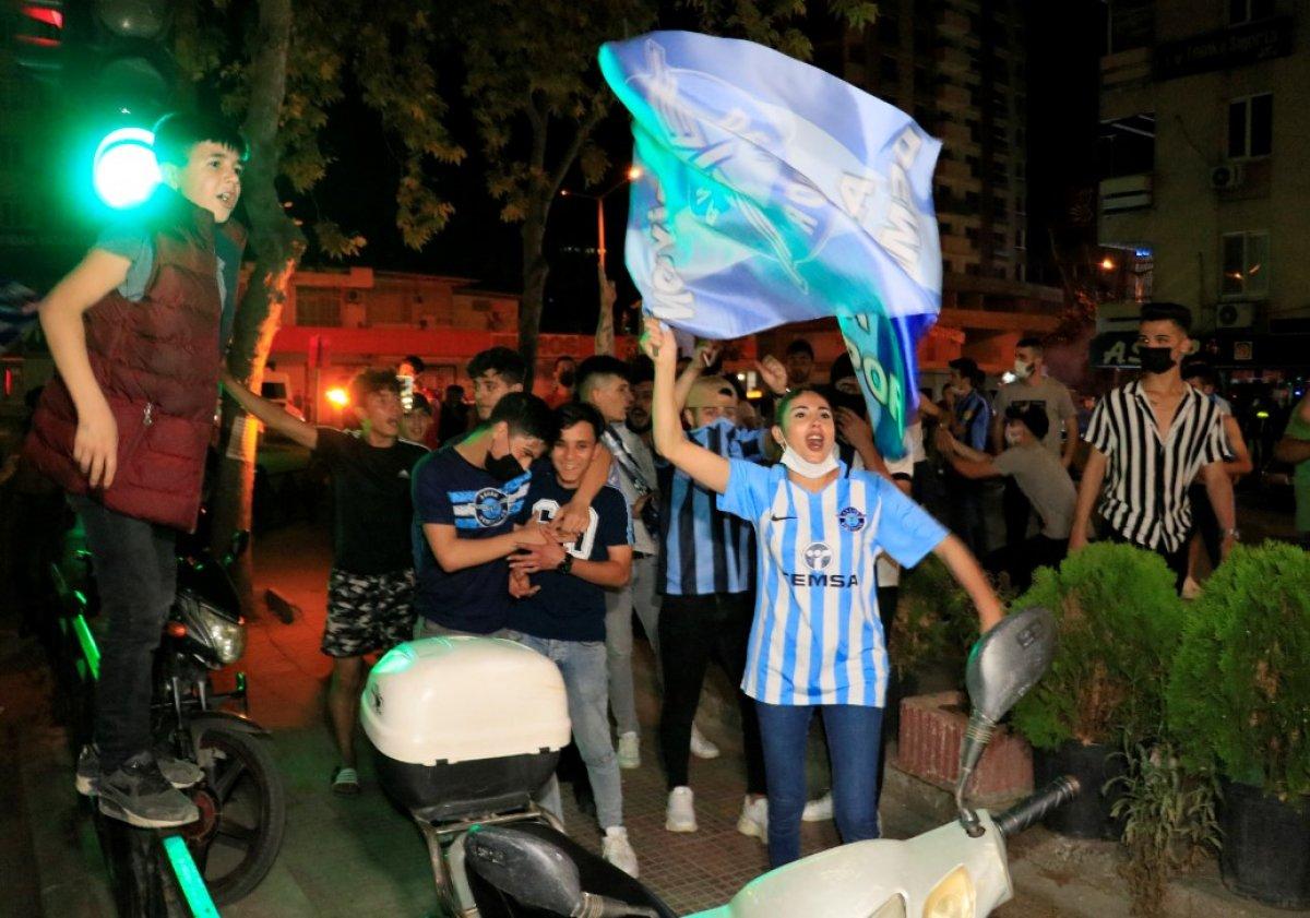 Adana Demirspor un 26 yıl sonra gelen şampiyonluğu kentte coşkuyla kutlandı #5