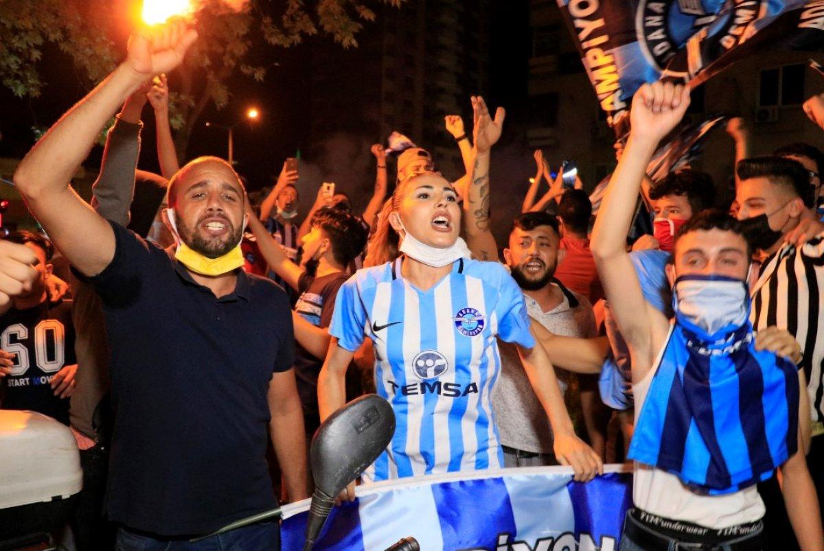Adana Demirspor un 26 yıl sonra gelen şampiyonluğu kentte coşkuyla kutlandı #6