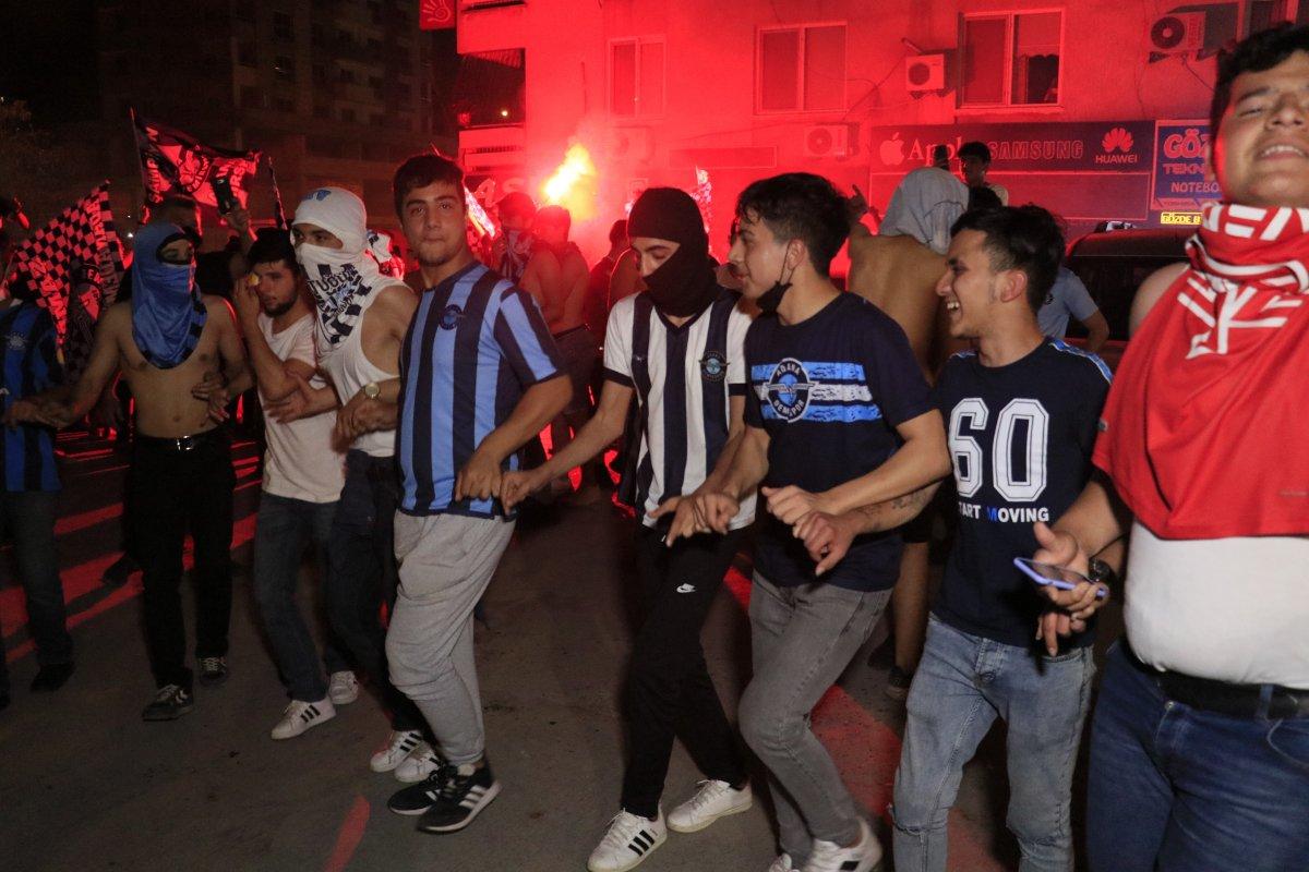 Adana Demirspor un 26 yıl sonra gelen şampiyonluğu kentte coşkuyla kutlandı #4