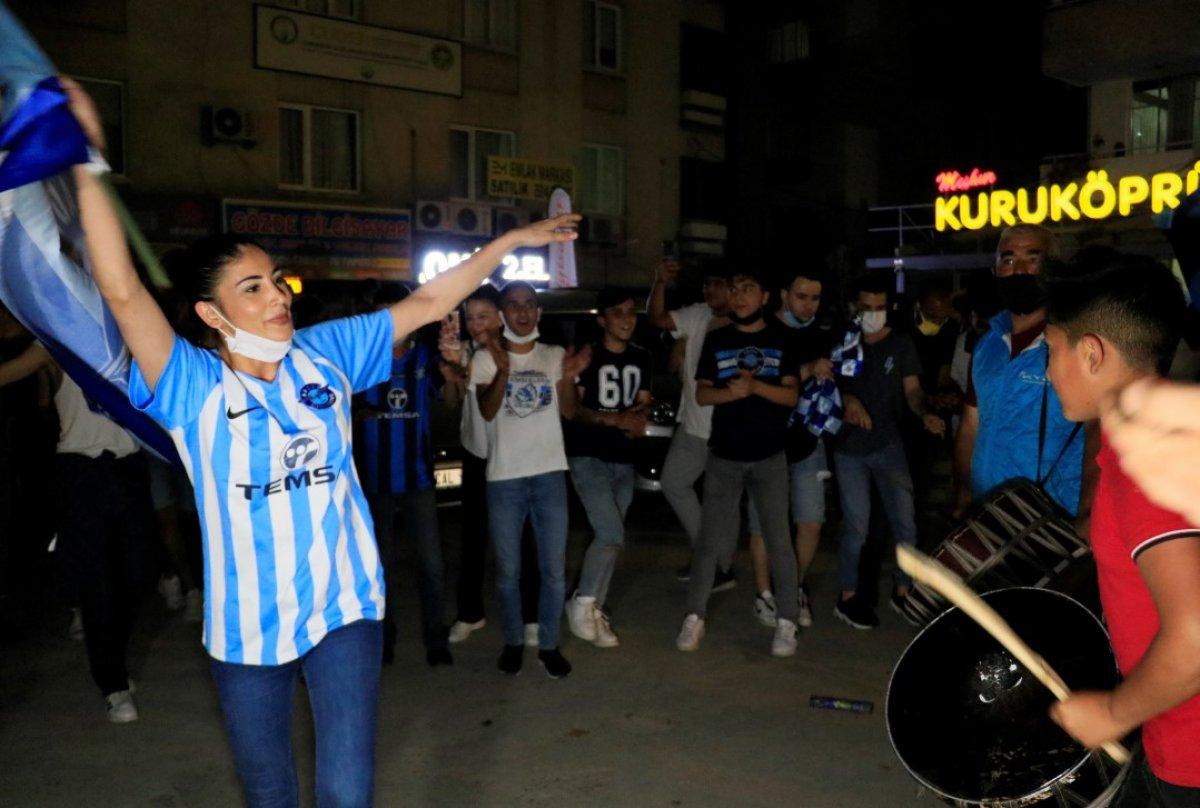 Adana Demirspor un 26 yıl sonra gelen şampiyonluğu kentte coşkuyla kutlandı #10