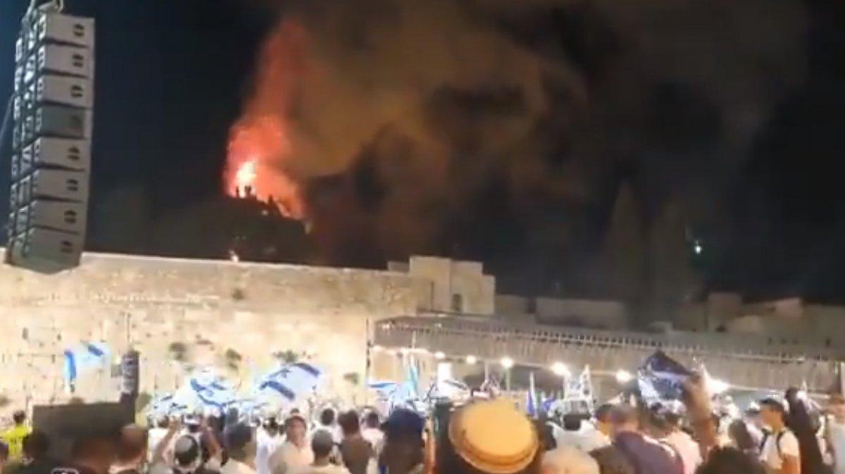 İsrailliler Mescid-i Aksa da çıkan yangını sevinçle izledi #4