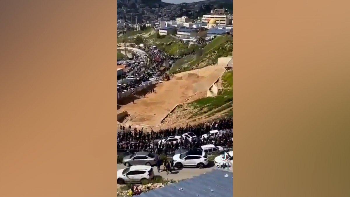Binlerce Filistinli Mescid-i Aksa'ya gidiyor  #3