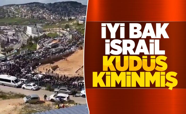 Binlerce Filistinli Mescid-i Aksa'ya gidiyor