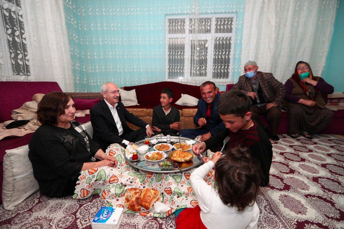 Kemal Kılıçdaroğlu, Ankara da bir vatandaşın evinde iftar yaptı #1