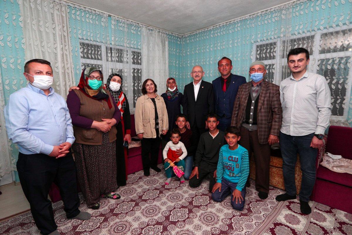 Kemal Kılıçdaroğlu, Ankara da bir vatandaşın evinde iftar yaptı #4