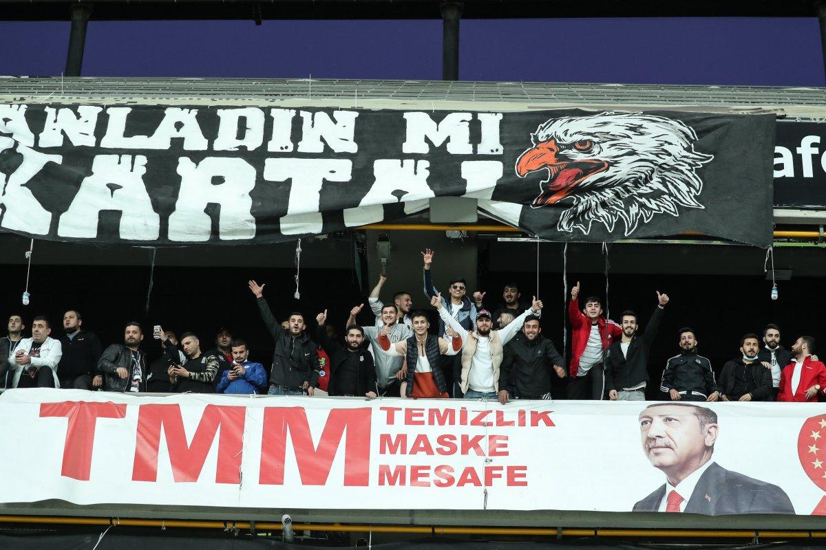 Beşiktaş-Karagümrük maçına seyirci alındı #4