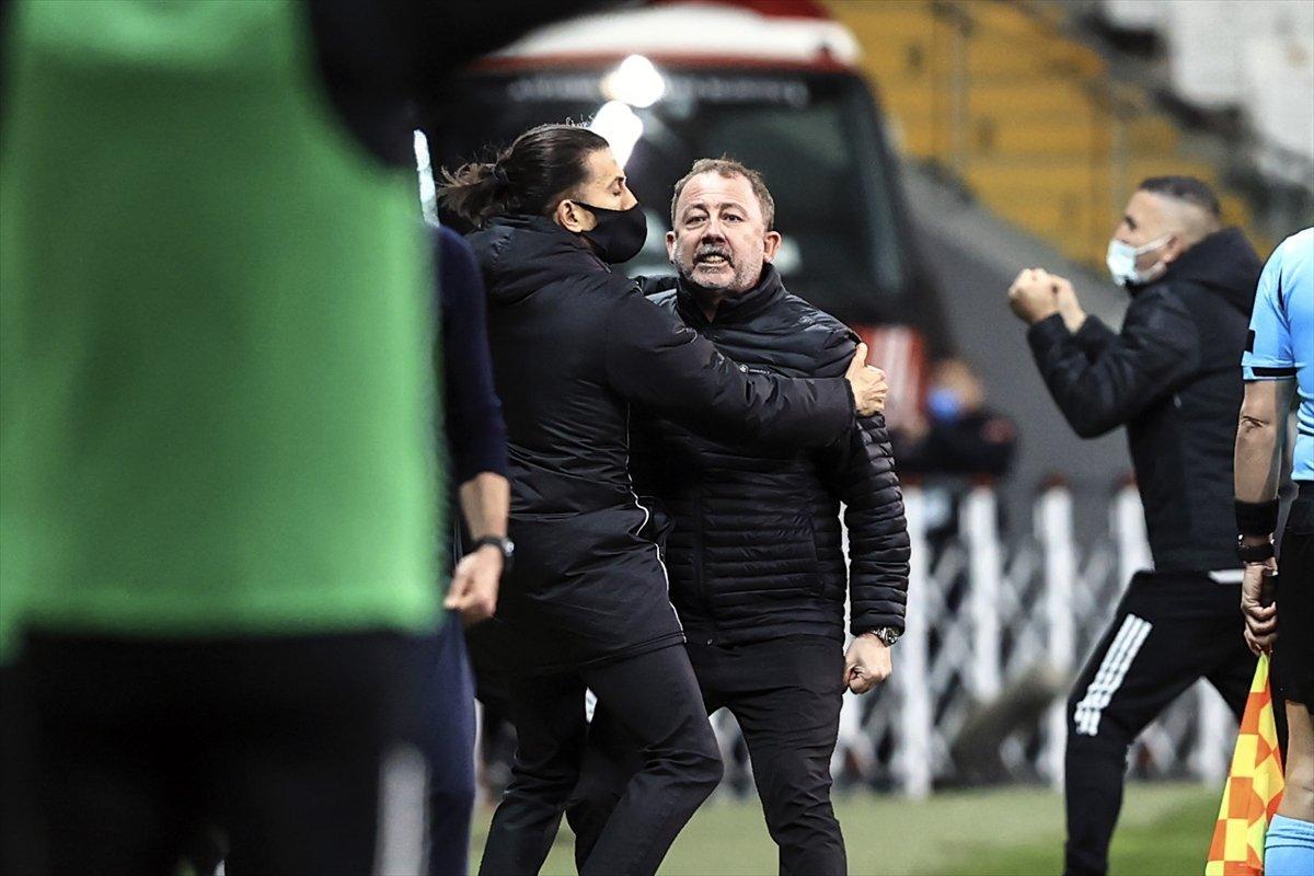 Süper Lig de son maçı kazanan 400 milyon TL nin sahibi olacak #1