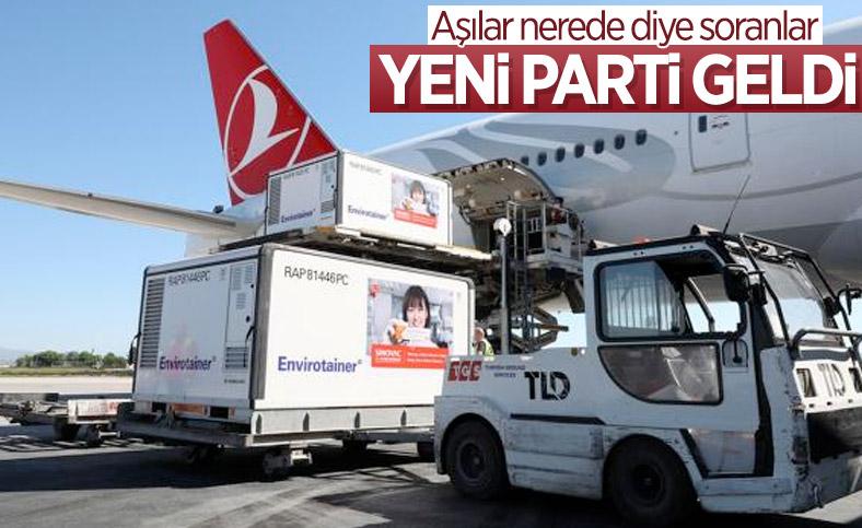 Sinovac'ın koronavirüs aşılarını taşıyan uçak Türkiye'ye ulaştı