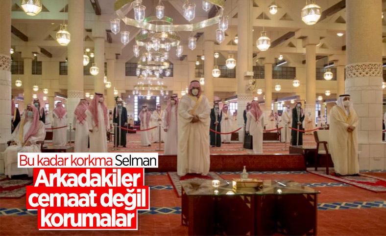 Suudi Veliaht Prens Selman'a, bayram namazı sırasında zırhlı koruma