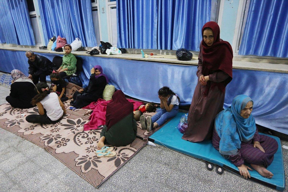 Filistinliler, İsrail bombalarından korunmak için okullara sığındı #10