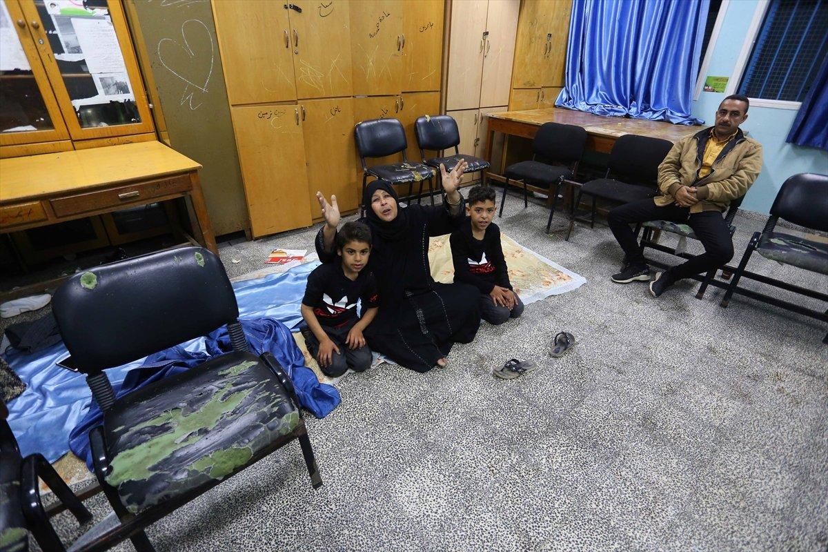 Filistinliler, İsrail bombalarından korunmak için okullara sığındı #5