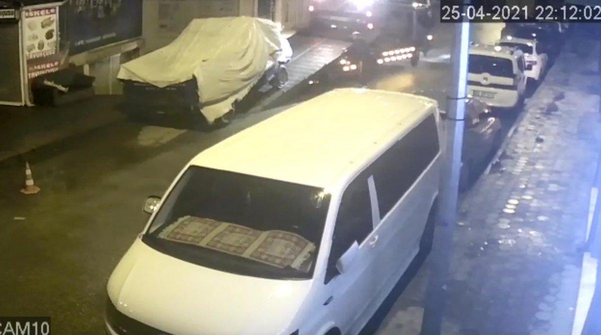 Eskişehir'de kamyoneti, çekiciye yükleyerek çaldı #3